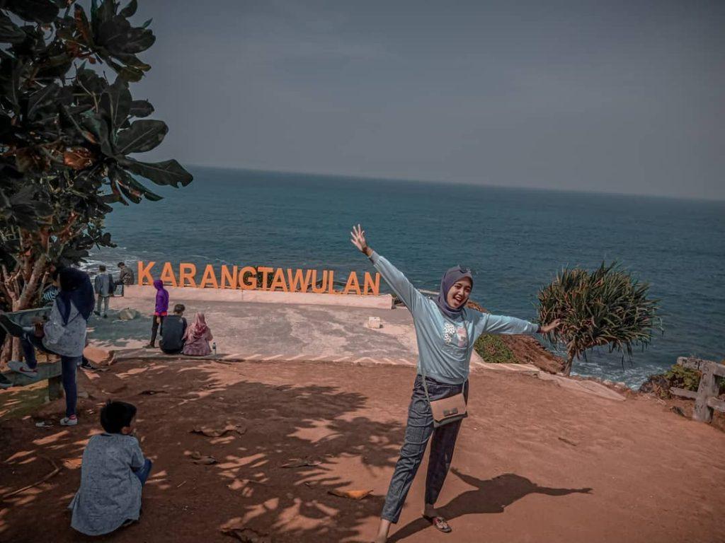 Pantai Karang Tawulan, Review dan Harga Tiket Masuk - Pariwisataku