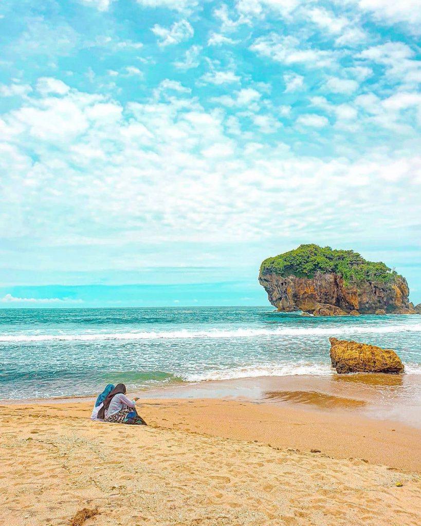 Pantai Jungwok Pantai Indah Yang Wajib Dikunjungi Pariwisataku